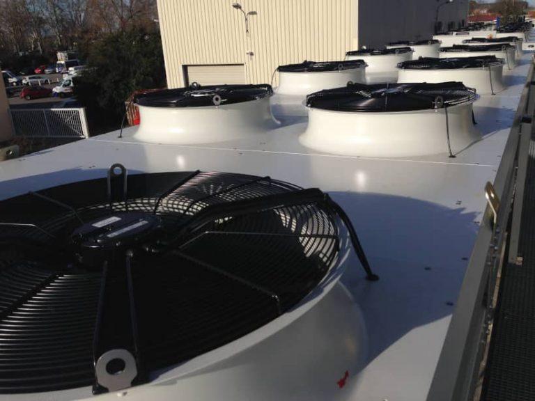 aéroréfrigérants placés sur le toit de tls00