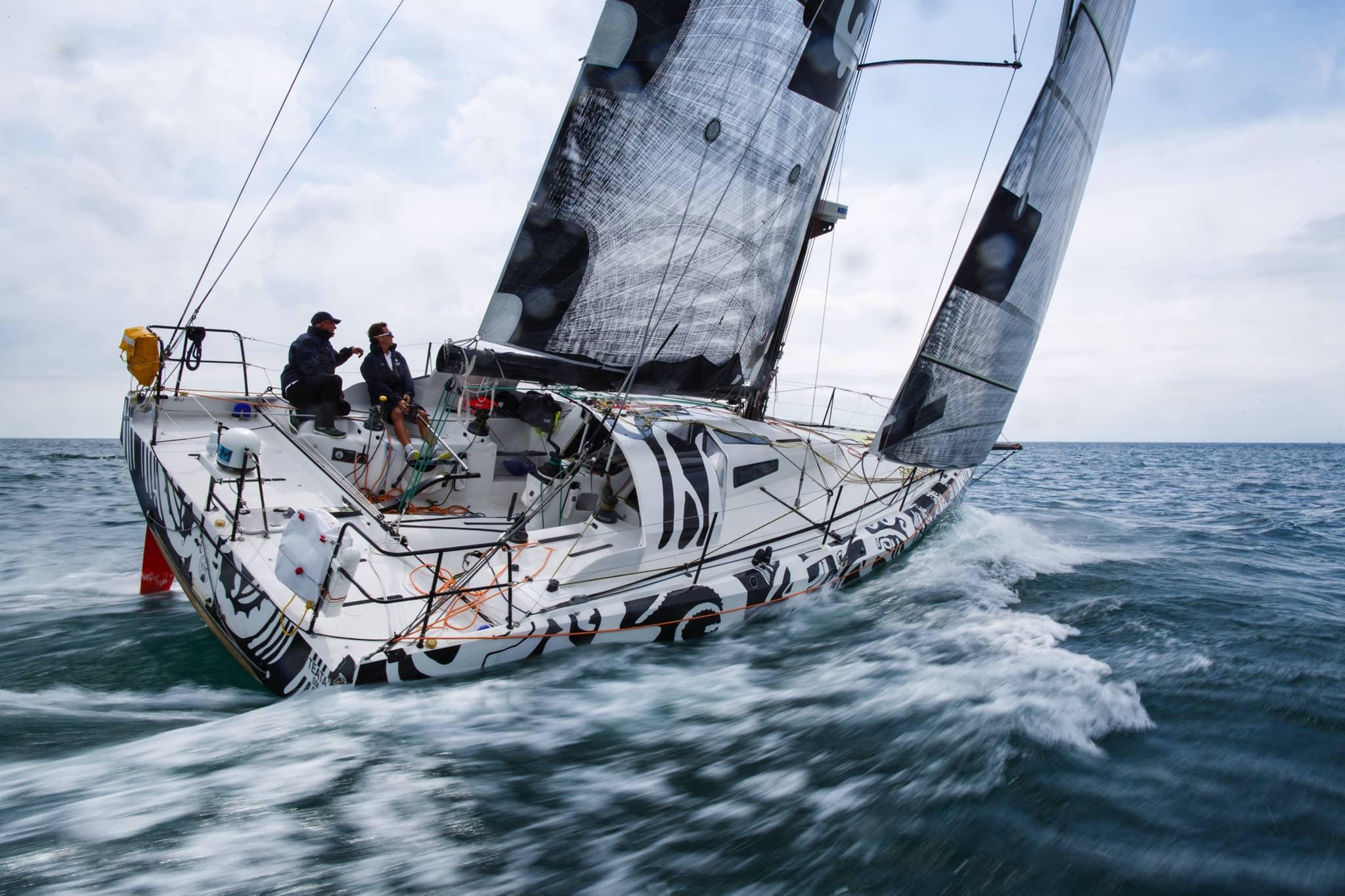bateau fullsave en mouvement avec effet vague